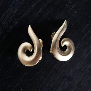 VINTAGE goldtone swirl earrings